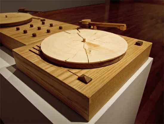 Turning Tables, 2010, par Jordan Bennett