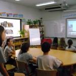Conférence de rédaction à l'école.