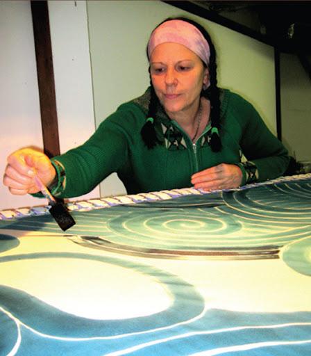 Joanne Plourde partage son amour pour l'art textile. | Photo par Festival du bois