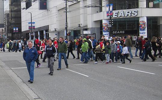 La rue Robson était fermée aux conducteurs durant les J.-O. | Photo par Rick Chung, Flickr