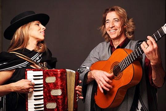 pancho et Sal, couple amoureux de la musique | Photos par Pancho et Sal