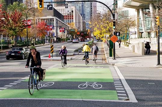 Voiture ou vélo... à la ville de choisir   Photo par Paul Krueger, Flickr