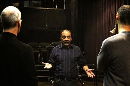 Luis Javier, metteur en scène comédien de la Latin Scenario Association. | Photo de Latin