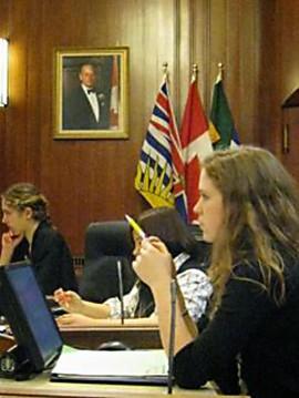 200431.png Des jeunes engagés au Conseil de la ville de Vancouver. | Photo de Vancouver Youth