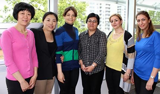 Bénévoles enthousiastes du programme Library Champions. |Photo de NewtoBC