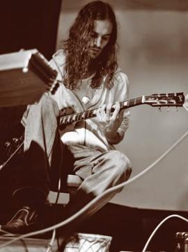 Greg Valou, compositeur et multi-instrumentiste. | Photo de Greg Valou