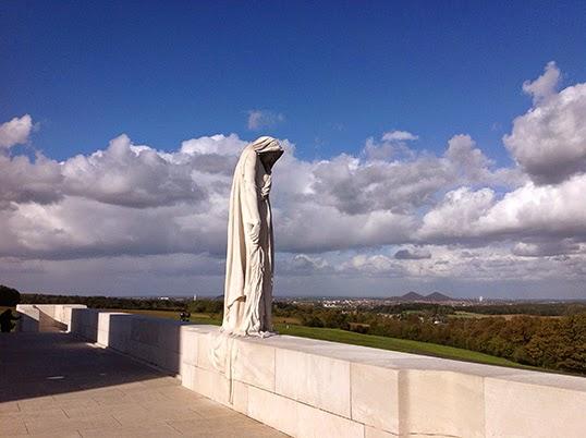 Cette statue en marbre est visible à des kilomètres. | Photo par Pascal Guillon