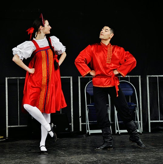 L'ensemble de danse russe Yablochko lors du European Festival 2013. | Photo par Happy Moments Photography