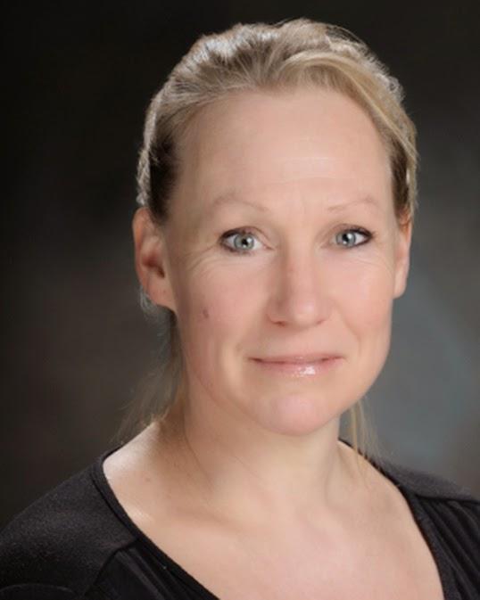 Suzanne Smythe échange ses idées sur la place de l'informatique et sur son accès dans la société canadienne. | Photo par SFU