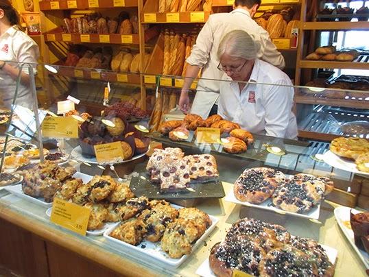 La boutique Terra Breads au marché de l'Île de Granville. | Photo par GD Taber