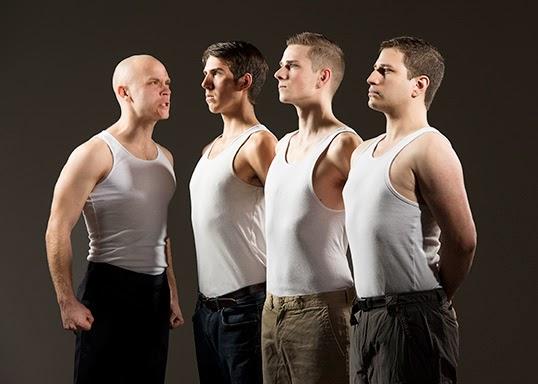 La troupe de Dogfight. | Photo par Emily Cooper