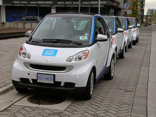 Quelques unes des 13 000 voitures car2go en location. |  Photo par Stephen Rees