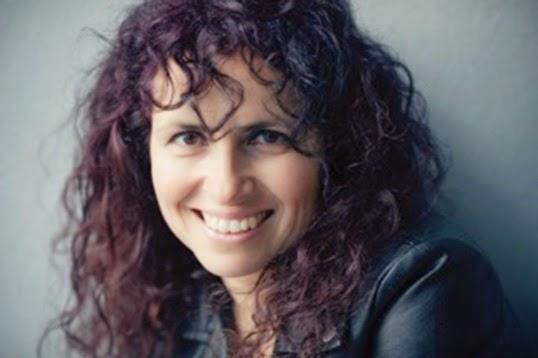 Femme, artiste et francophone en milieu minoritaire, Isabelle Longnus est tout cela à la fois, une identité qu'elle exprime dans ses albums. |Photo par A.J Benny