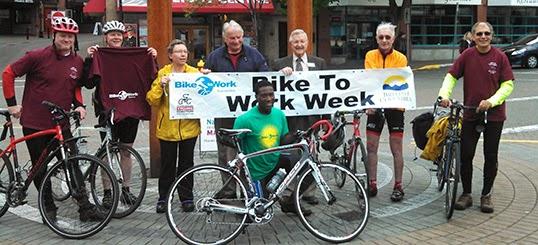 Les participants de la semaine Bike to Work 2014 en selle pour promouvoir la pratique du vélo en Colombie-Britannique. | Photo de Bike to Work