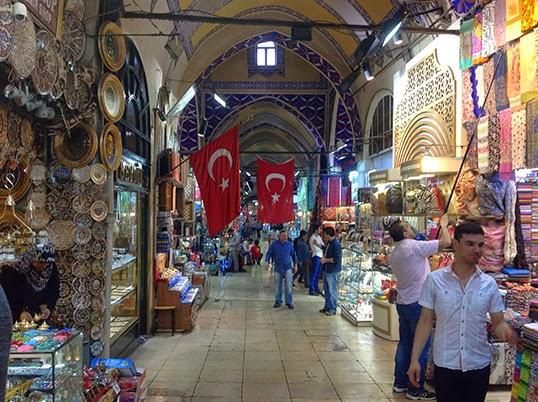 Un des nombreux souks à Istanbul. | Photo de Pascal Guillon