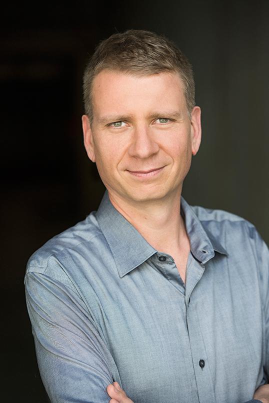 Craig Holzschuh, lauréat du prixde mise en scène exceptionnelle.   Photo de Emily Cooper