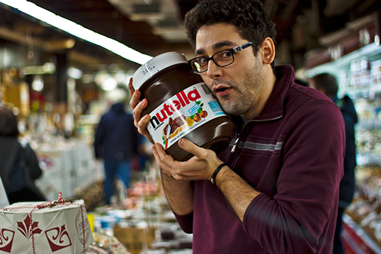 Un accro du Nutella. | Photo par Jack Zalium