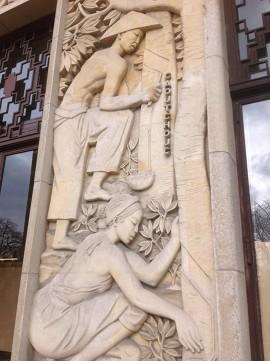 Une oeuvre du Musée de I'immigration à la Porte Dorée.