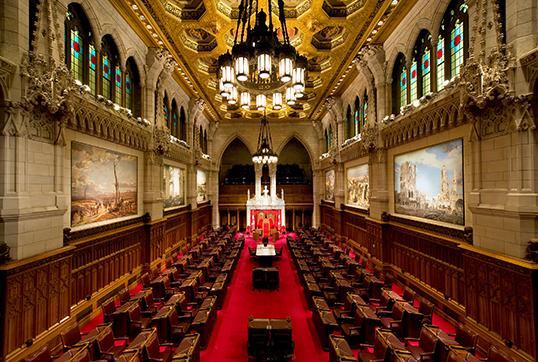 Vue intérieure du Sénat. | Photo par Saffron Blaze