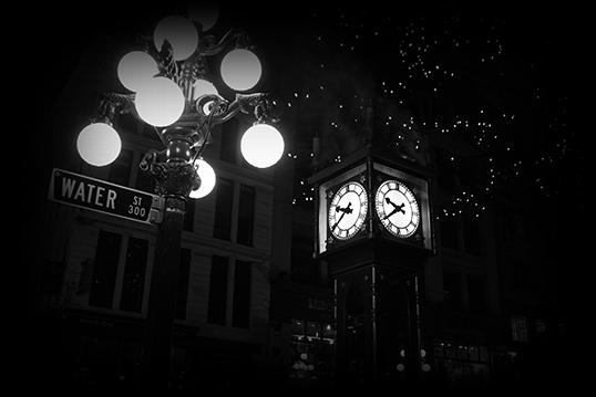 L'Horloge à vapeur de Gastown joue toutes les heures la même mélodie que le carillon londonien de Westminster. | Photo de Ghostly Vancouver Tours