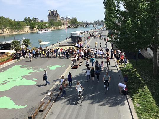 Les quais de la Seine sans voitures. | Photo par Pascal Guillon