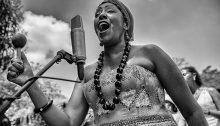 Betsayda Machado regrette que le reggaeton ait contribué à diminuer l'intérêt des jeunes générations pour la musique traditionnelle de son pays.   Photo par Vladimir Marcano, d'Imaginaires 2016