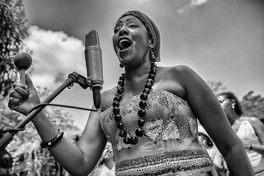 Betsayda Machado regrette que le reggaeton ait contribué à diminuer l'intérêt des jeunes générations pour la musique traditionnelle de son pays. | Photo par Vladimir Marcano, d'Imaginaires 2016