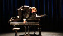 Thomas Monckton en spectacle. | Photo par Juho Rahija