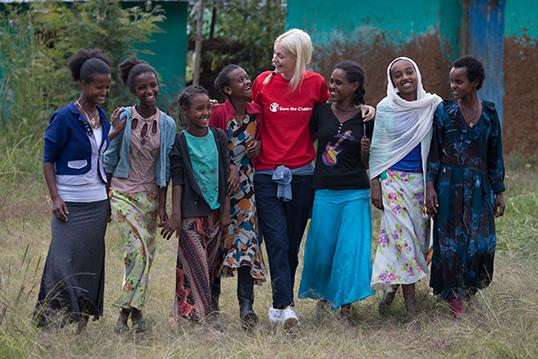 Une volontaire en Éthiopie.   Photo de Save the children