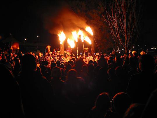 La lumière est la protagoniste du festival que différents quartiers de Vancouver accueillent tous les 21 décembre.